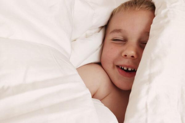 kołderka dziecięca z wypełnieniem jedwabnym
